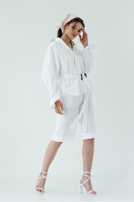 White shorts bermuda